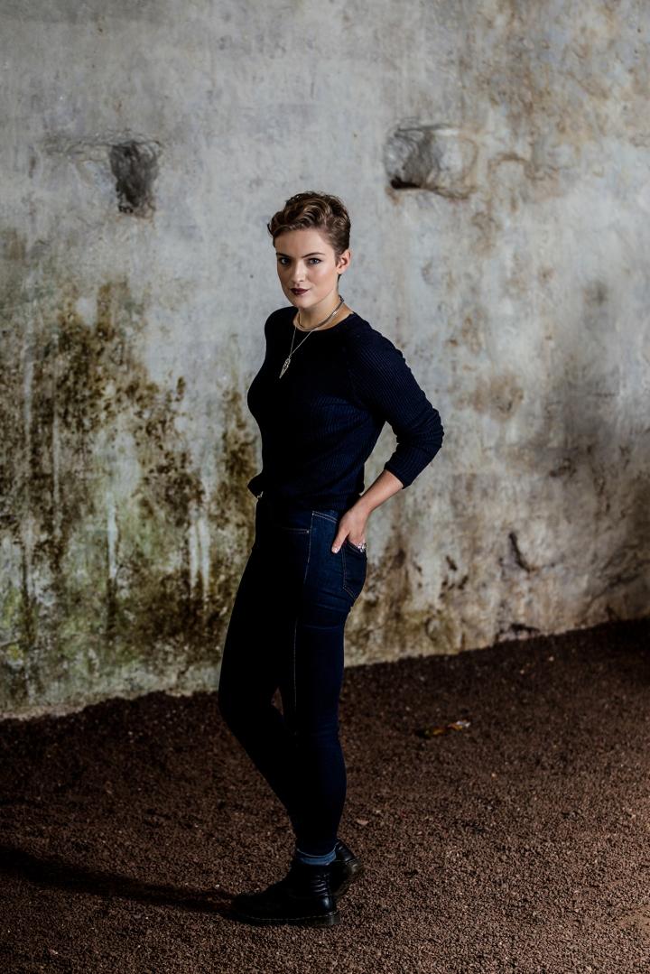 chloe_knott_fabric_forward_raglan_castle-33