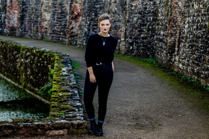 chloe_knott_fabric_forward_raglan_castle-70